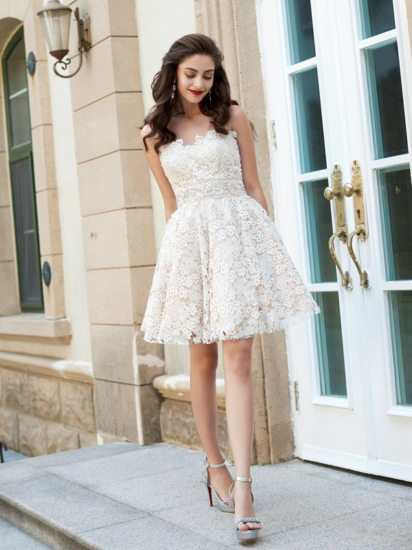 Modern A-Line Sweetheart Cut Lace Short Dresses With Rhinestone