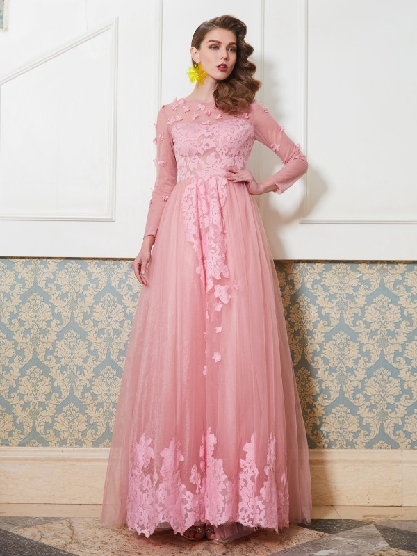 Hot A-Line Scoop Cut Tulle Long Dresses With Applique