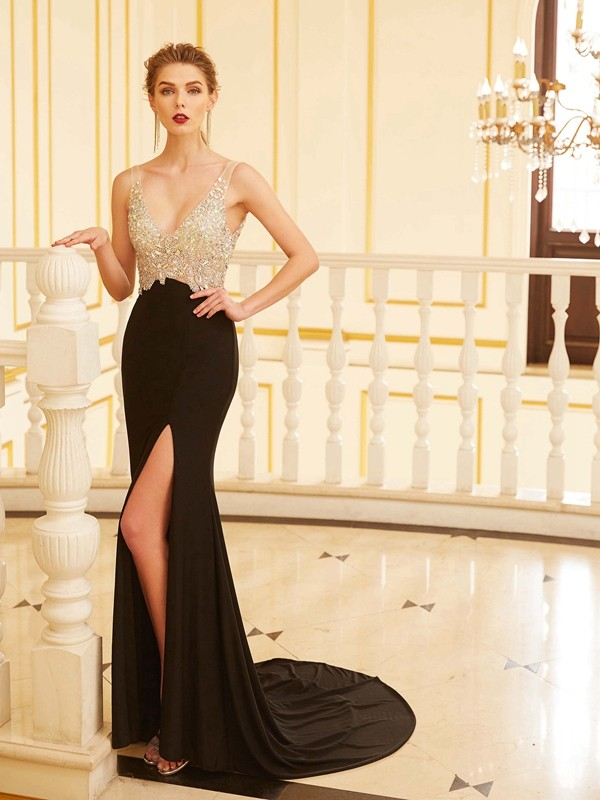 Exquisite Sheath V-neck Cut Spandex Long Dresses With Beading