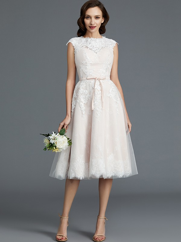 Popular A-Line Bateau Cut Tulle Short Wedding Dresses With Ruffles