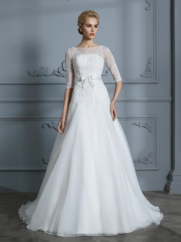 Brilliant A-Line Scoop Cut Tulle Long Wedding Dresses With Lace
