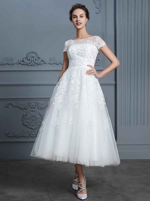 Hot A-Line Scoop Cut Tulle Short Wedding Dresses With Beading