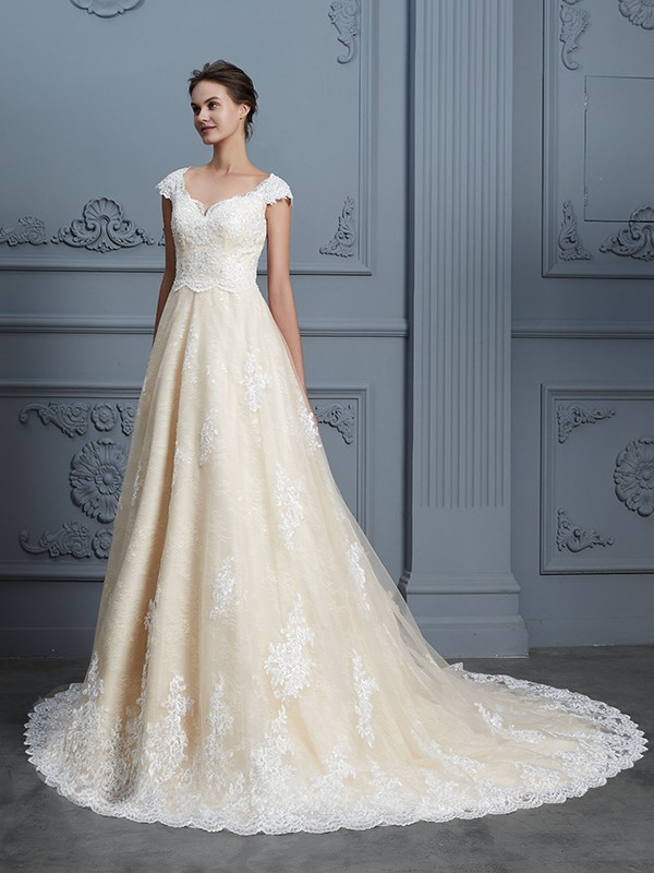 Glamorous Ball Gown Sweetheart Cut Lace Long Wedding Dresses With Beading