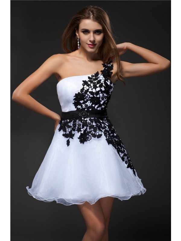 Popular Empire One-Shoulder Cut Organza Short Dresses With Applique