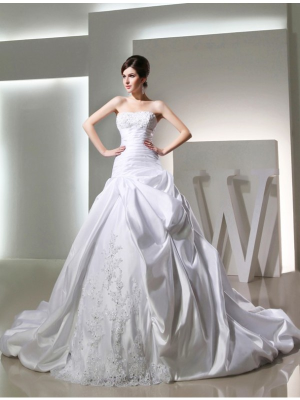 Fashional Ball Gown Strapless Cut Satin Long Wedding Dresses With Beading