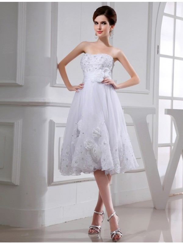 Shining A-Line Strapless Cut Taffeta Short Wedding Dresses With Beading