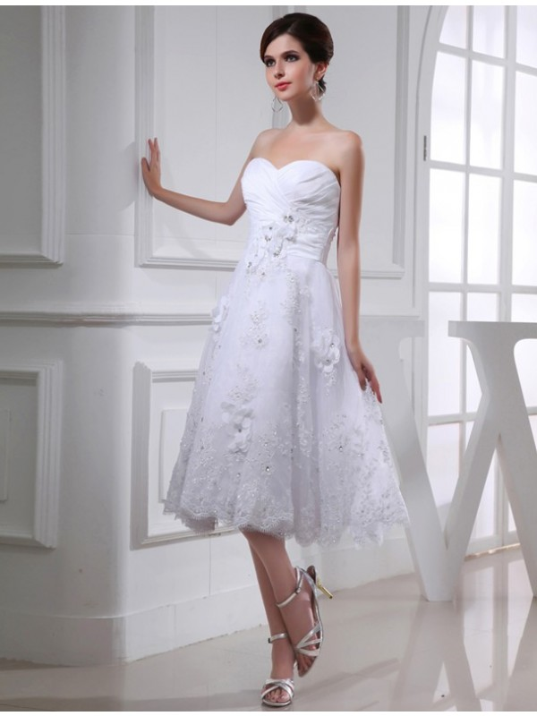 Delicate A-Line Sweetheart Cut Taffeta Short Wedding Dresses With Beading