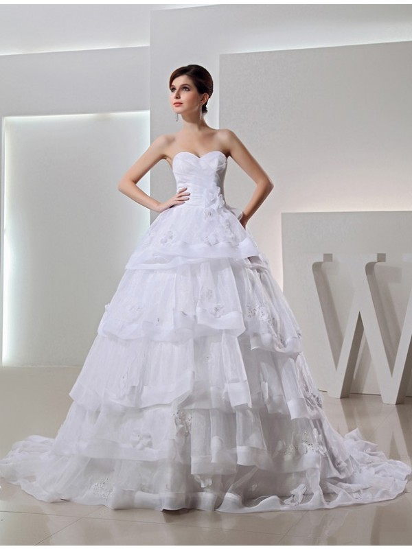 Brilliant Ball Gown Sweetheart Cut Organza Long Wedding Dresses With Beading