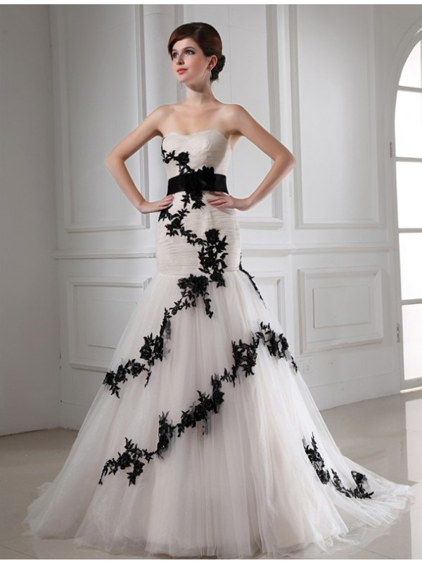 Fashional Mermaid Sweetheart Cut Tulle Long Wedding Dresses With Beading