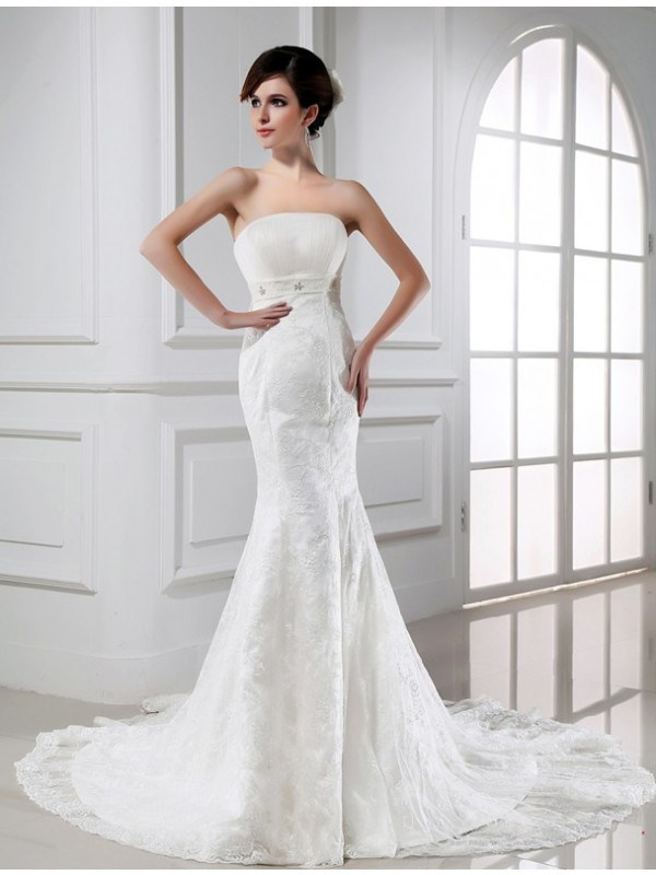 Delicate Mermaid Strapless Cut Tulle Long Wedding Dresses With Beading
