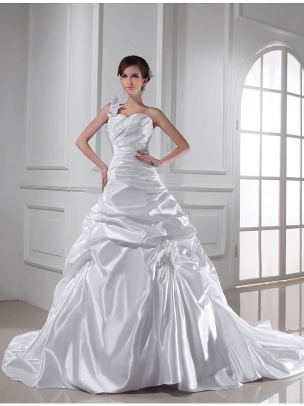 Trendy A-Line Sweetheart Cut Elastic Woven Satin Long Wedding Dresses With Pleats