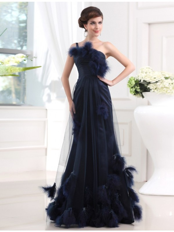Stunning Mermaid One-Shoulder Cut Tulle Long Dresses With Feathers/Fur