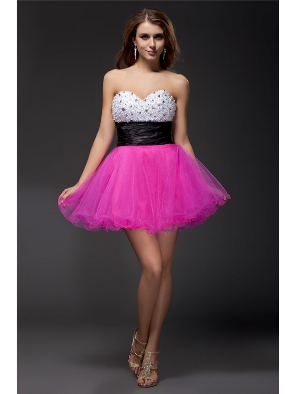 Stunning A-Line Sweetheart Cut Organza Short Dresses With Beading