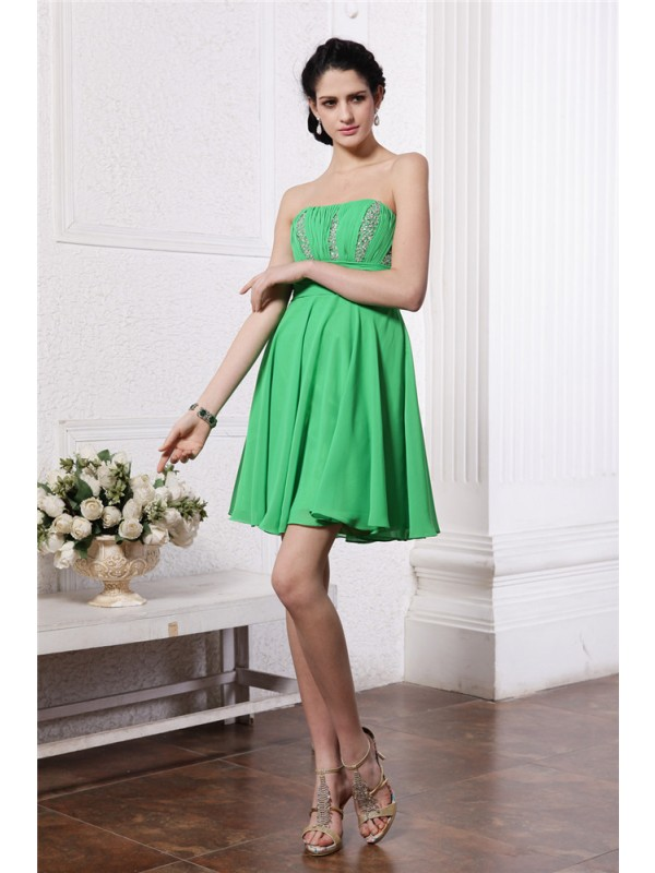 Delicate Sheath Strapless Cut Chiffon Short Dresses With Pleats
