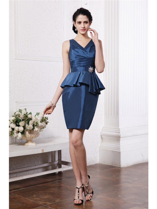 Bright Sheath V-neck Cut Taffeta Short Dresses With Pleats