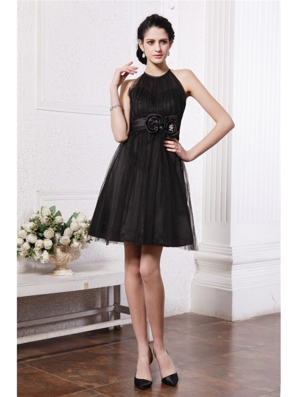 Brilliant A-Line Scoop Cut Net Short Dresses With Hand-Made Flower