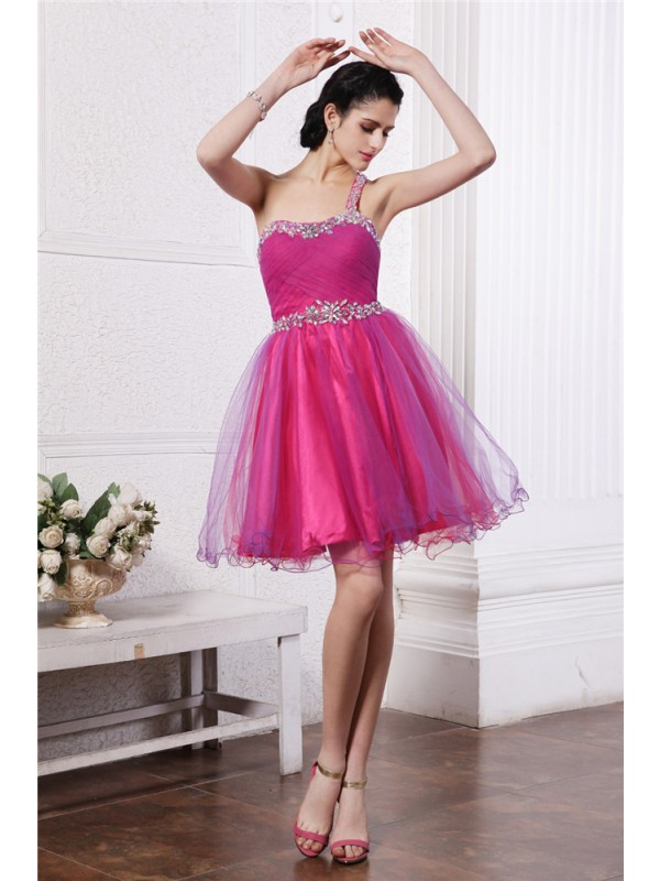 Hot A-Line One-Shoulder Cut Organza Short Dresses With Beading