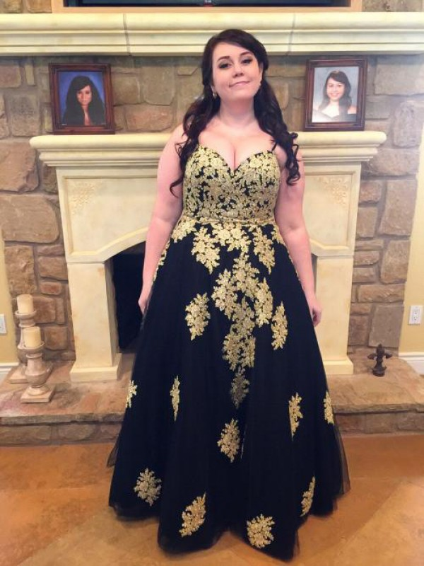 Sweet Ball Gown Spaghetti Straps Cut Tulle Long Plus Size Dresses With Applique