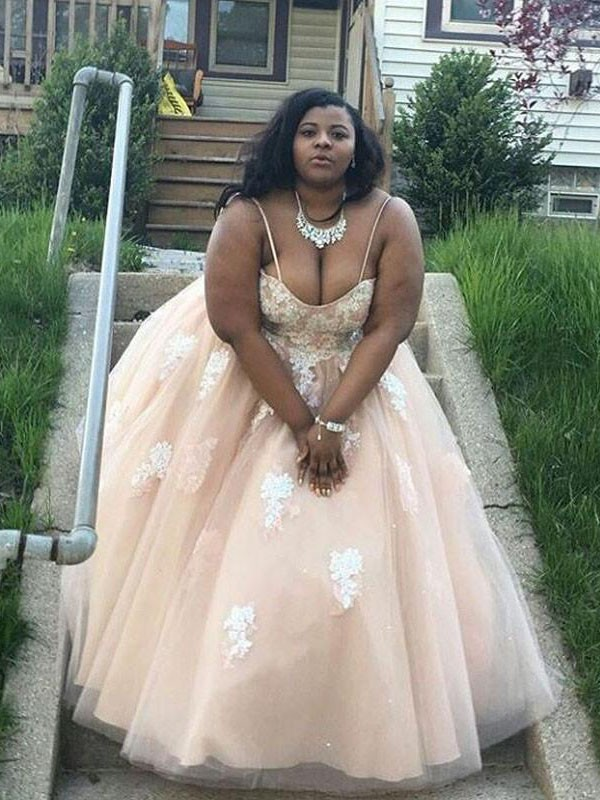 Pretty Ball Gown Spaghetti Straps Cut Tulle Long Plus Size Dresses With Applique