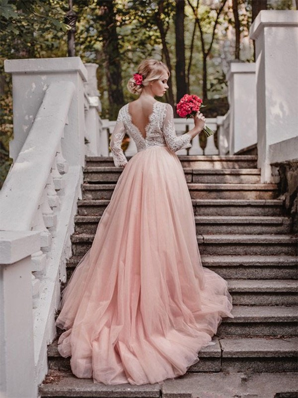 Shining Ball Gown V-neck Cut Tulle Long Wedding Dresses With Applique