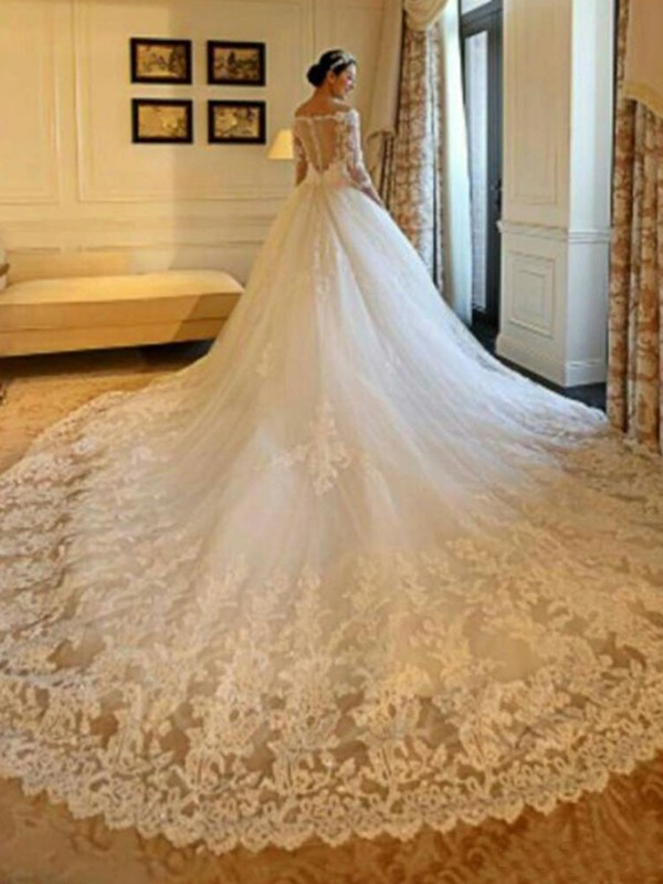 Exquisite Ball Gown Off-the-Shoulder Cut Tulle Long Wedding Dresses With Beading