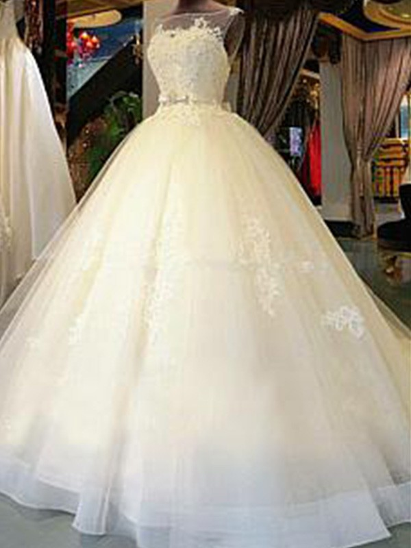 Attractive Ball Gown Scoop Cut Tulle Long Wedding Dresses With Applique