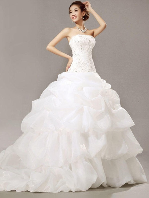 Pretty Ball Gown Strapless Cut Organza Long Wedding Dresses With Beading