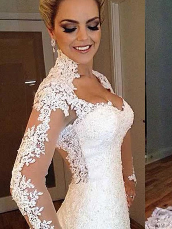 Gorgeous Mermaid V-neck Cut Lace Long Wedding Dresses With Applique