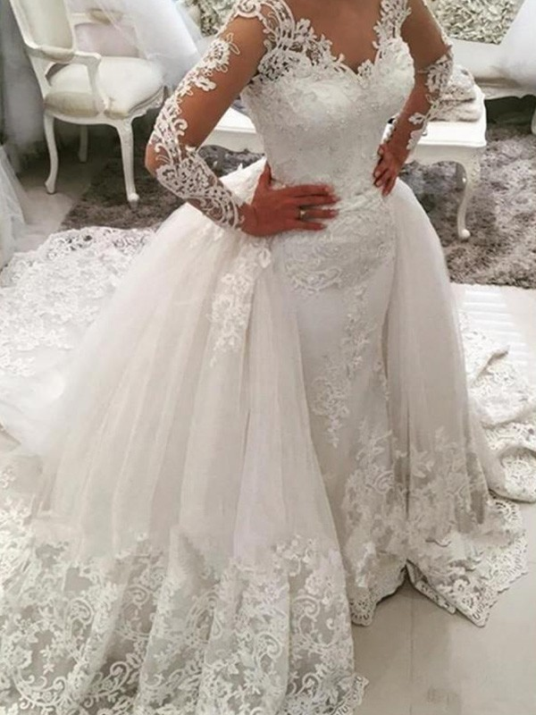 Amazing Ball Gown V-neck Cut Tulle Long Wedding Dresses With Applique