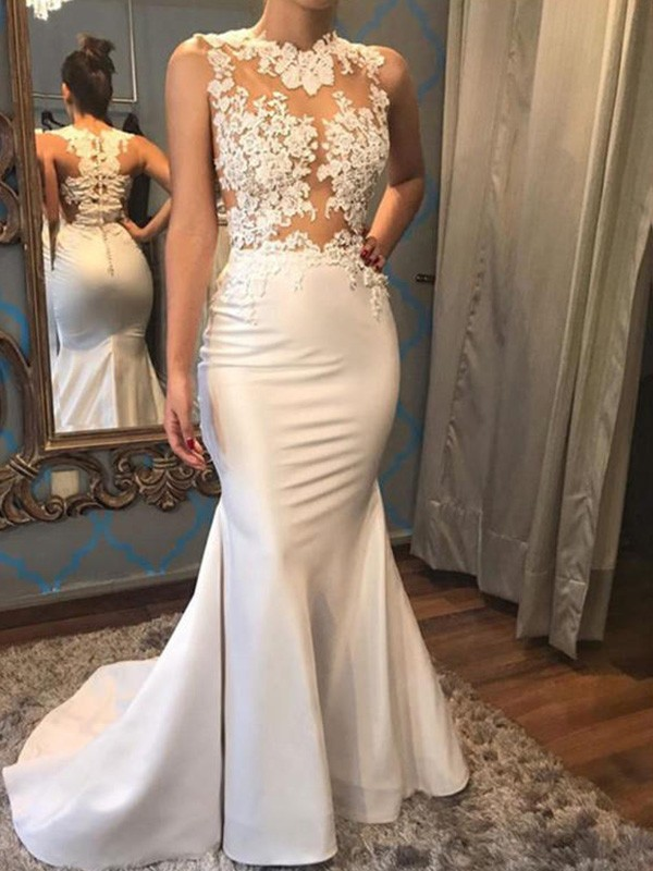 Stunning Mermaid Scoop Cut Satin Long Wedding Dresses With Applique