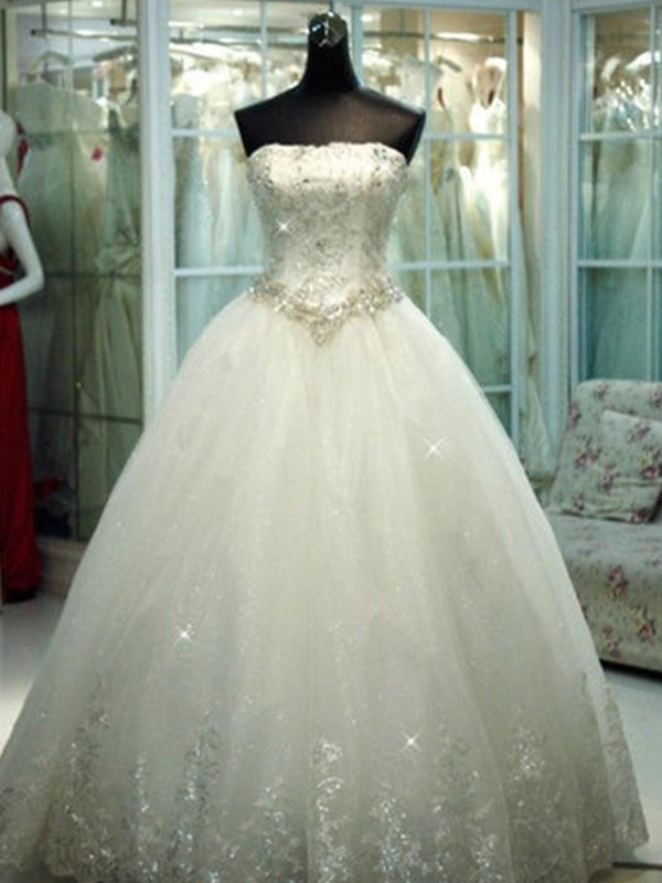 Trendy Ball Gown Strapless Cut Tulle Long Wedding Dresses With Beading