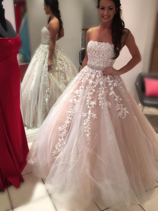 Lovely Ball Gown Strapless Cut Chiffon Long Wedding Dresses With Applique