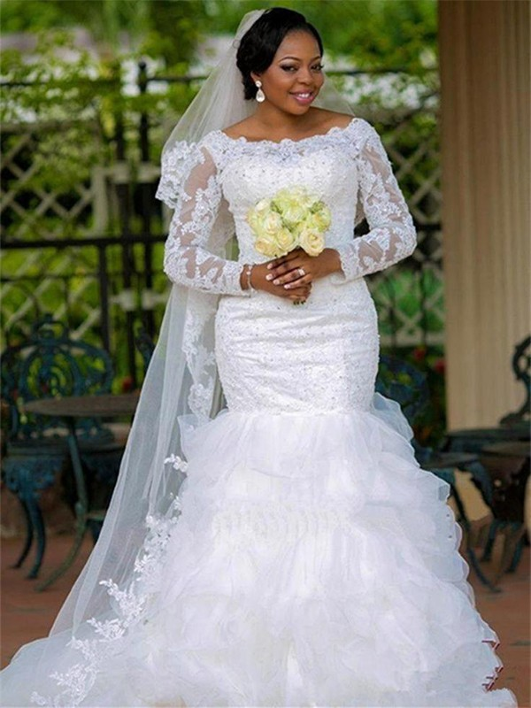 Charming Ball Gown Scoop Cut Tulle Long Wedding Dresses With Applique