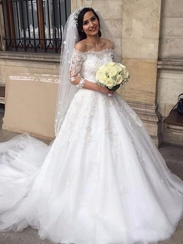 Gorgeous Ball Gown Off-the-Shoulder Cut Tulle Long Wedding Dresses With Applique