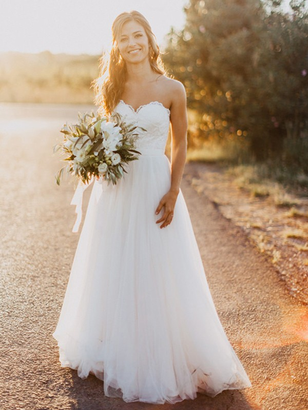 Romantic A-Line Sweetheart Cut Tulle Long Wedding Dresses With Ruched