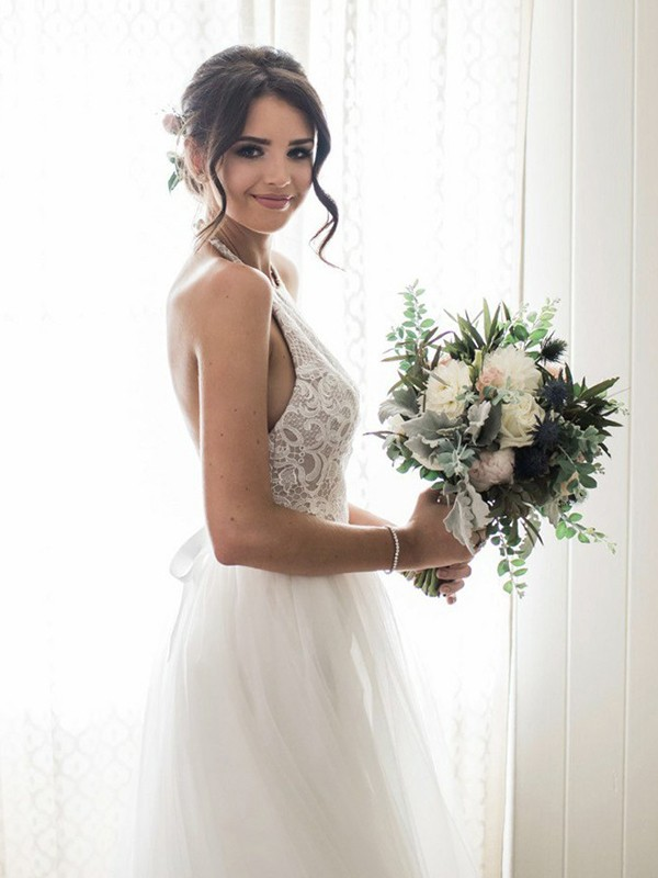 Brilliant A-Line Halter Cut Tulle Long Wedding Dresses With Lace