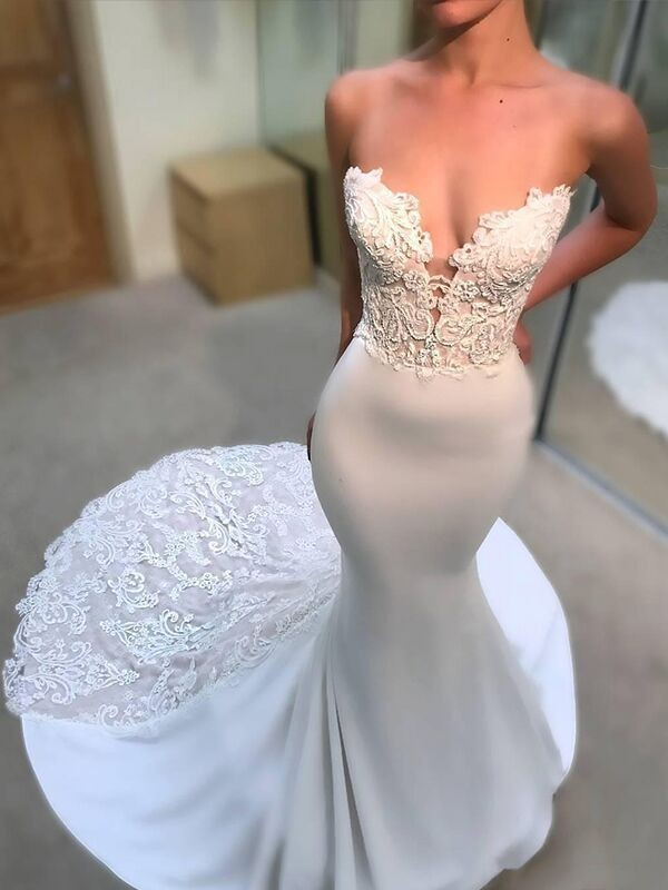 Fashional Mermaid V-neck Cut Lace Long Satin Wedding Dresses