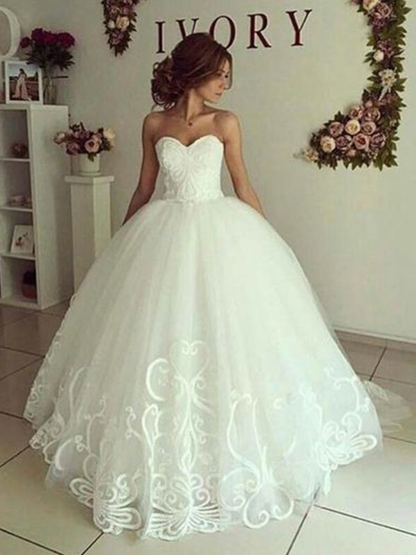 Popular Ball Gown Sweetheart Cut Tulle Long Wedding Dresses with Applique