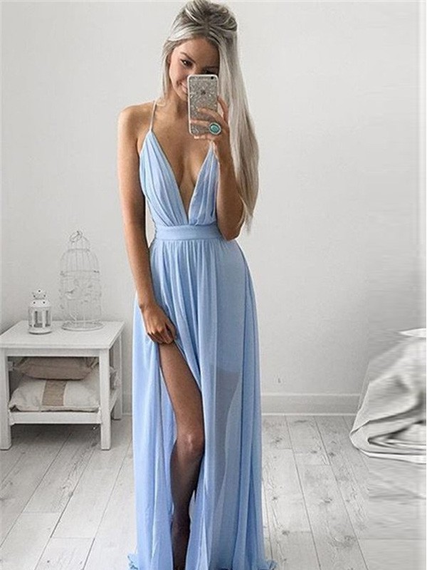 Amazing A-Line Spaghetti Straps Cut Chiffon Long Dresses With Ruched