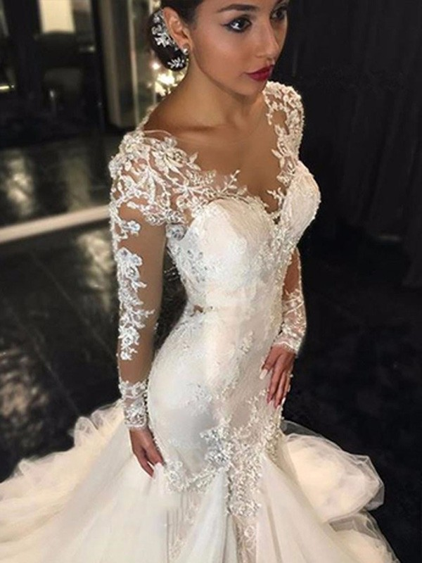 Chic Mermaid V-neck Cut Tulle Long Wedding Dresses With Lace