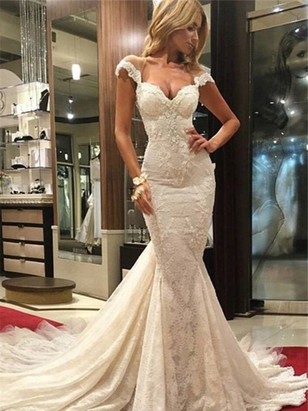 Graceful Mermaid V-neck Cut Lace Long Wedding Dresses With Lace