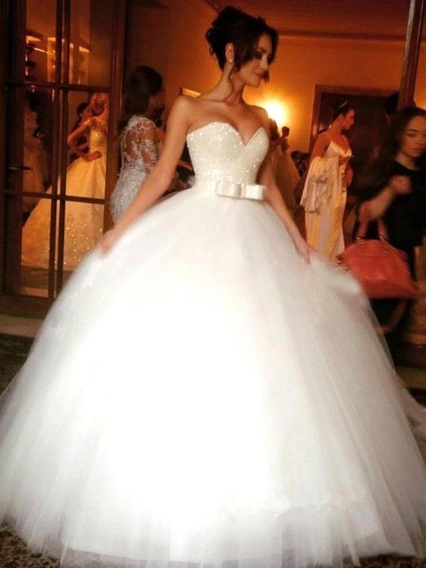 Shining Ball Gown Sweetheart Cut Tulle Long Wedding Dresses With Bowknot