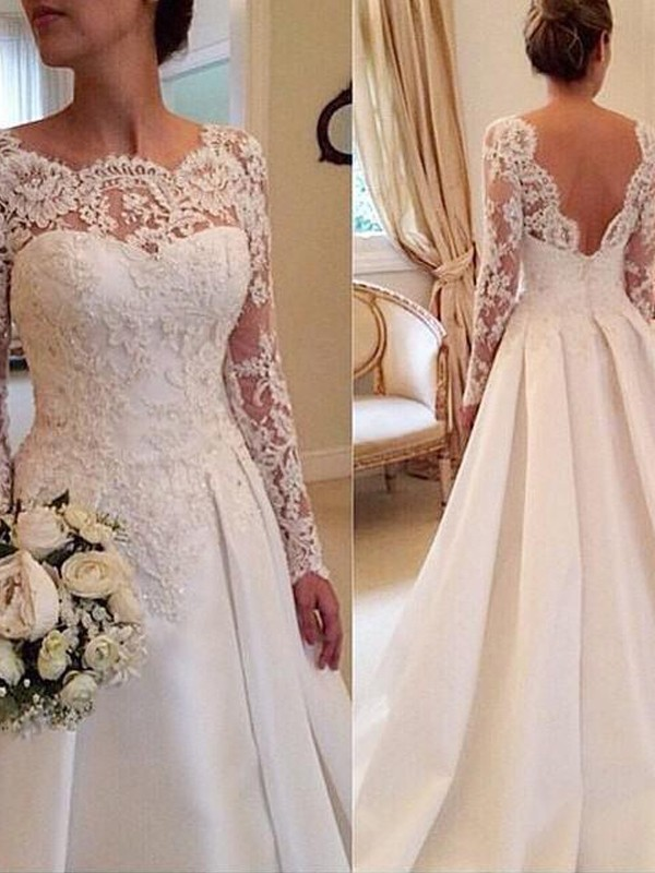 Delicate Ball Gown Scoop Cut Satin Long Wedding Dresses With Lace