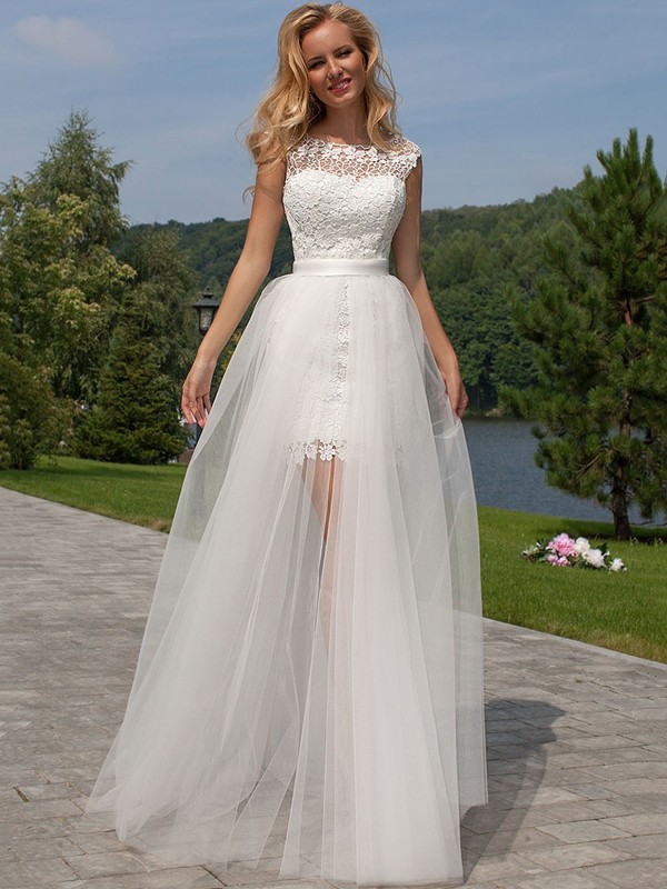 Hot Sheath Scoop Cut Tulle Long Wedding Dresses With Lace