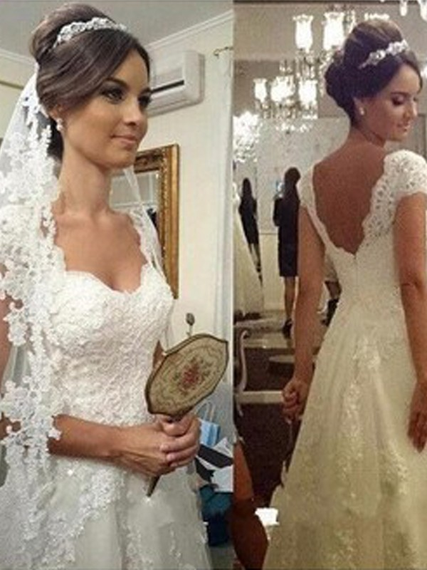 Elegant A-Line Sweetheart Cut Tulle Long Wedding Dresses With Lace