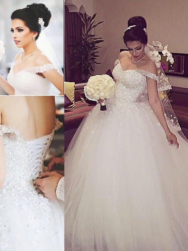Unique Ball Gown Off-the-Shoulder Cut Tulle Long Wedding Dresses With Lace