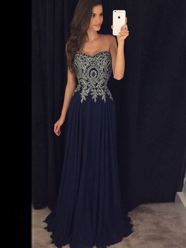 Stunning A-Line Sweetheart Cut Chiffon Long Dresses With Applique