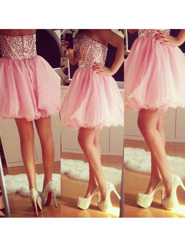 Fashional A-Line Sweetheart Cut Tulle Short Dresses With Beading