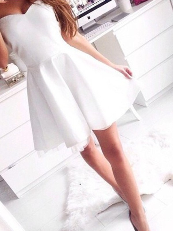 Glamorous A-Line Sweetheart Cut Satin Short Dresses With Beading