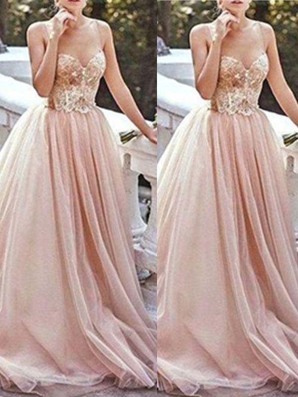 Hot A-Line Sweetheart Cut Tulle Long Dresses With Beading